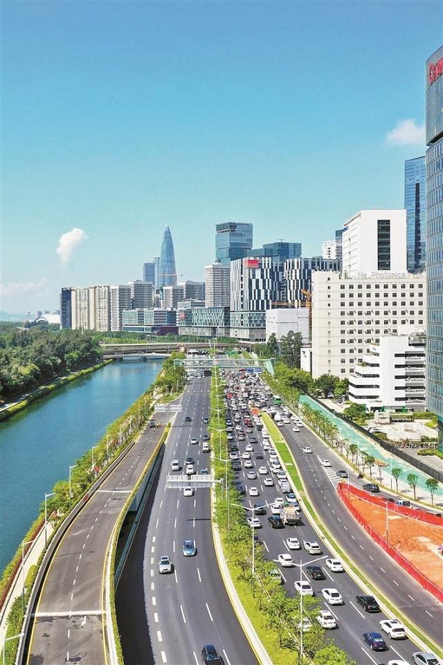 7月9日,沙河西路快速化改造工程全线完工。工程是在原有城市主干道的基础上提升为城市快速路,标准段主线双向六车道,设计车速60公里小时。.jpg
