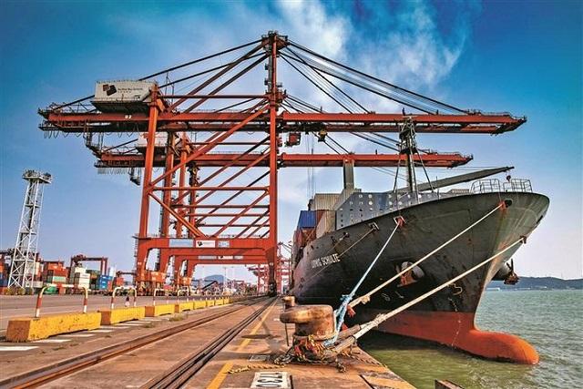 大铲湾码头迎来印尼-菲律宾航线 货物只需6天就可到雅加达.jpg
